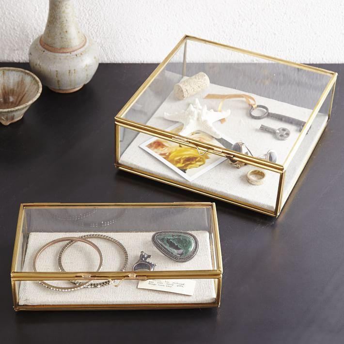 جعبه جواهرات، جعبه جواهر، جعبه طلا، جعبه جواهرات کمند، جعبه جواهرات طلایی، جعبه انگشتر، تراریوم، گلدان شیشه ای، فروشگاه اینترنتی جعبه جواهر، جعبه کادو، خرید اینترنتی جعبه جواهرات